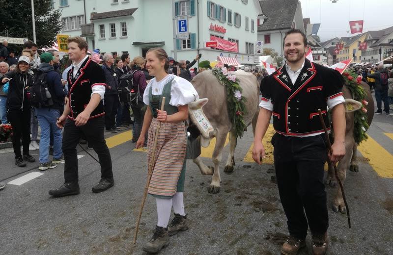 Entlebucher-Alpabfahrt-2018-Praznik-na-slizaneto-na-stadata-ot-Alpite