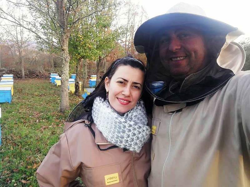 Елена и Андрей Стойчеви, Селището на пчелите
