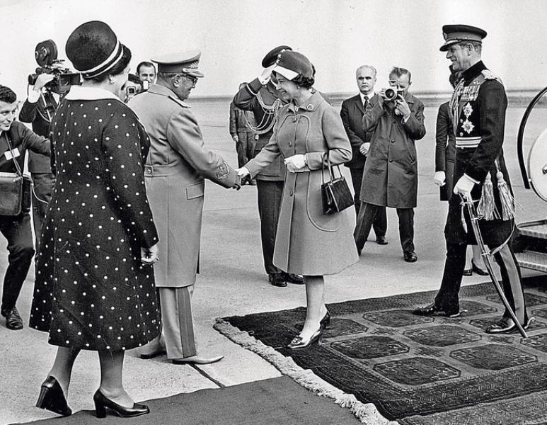 Кралица Елизабет сръбска скара Тито