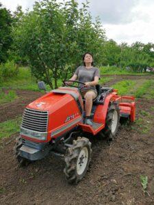 Елена Николова От градината на село