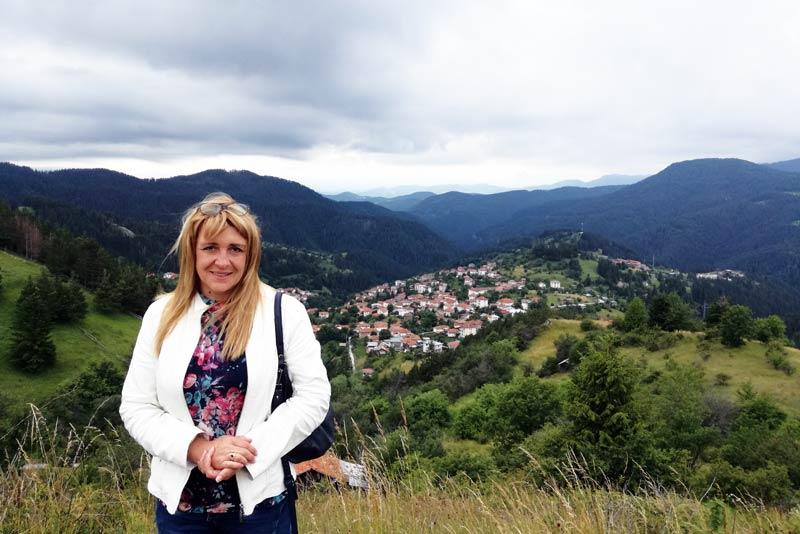 Сийка Суркова, кметица на с. Момчиловци